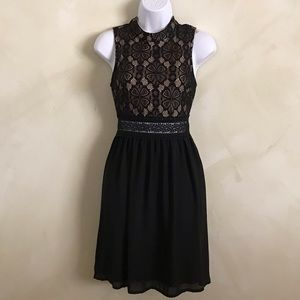 NWT Francesca's small lace dress.